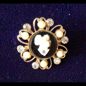 Jewelry - Beautiful ESTATE FOUND BLACK & PEARL CAMEO BROOCH
